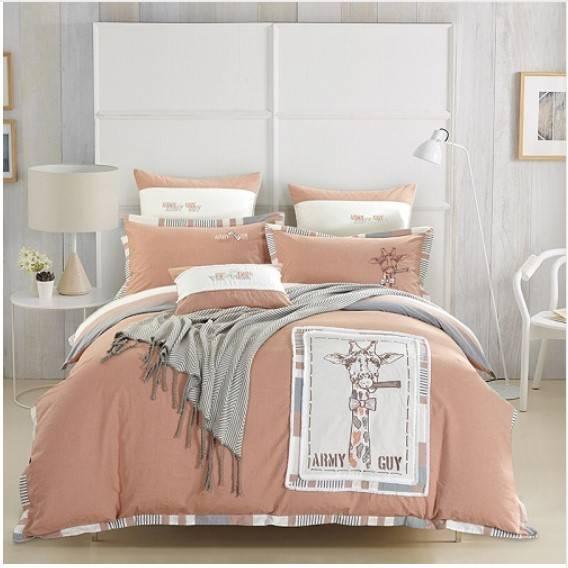 goofy giraffe bedding set