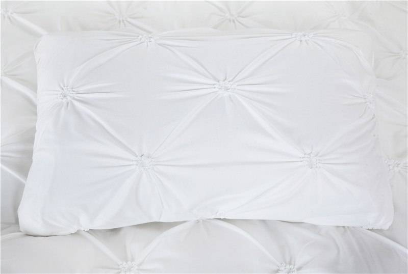 Black or White Duvet Cover Set Pinch Pleat (2 Colors)