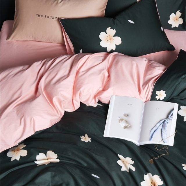 Magnolia duvet cover made from luxury egyptian cotton