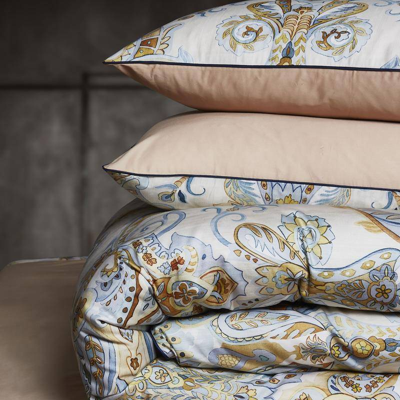 paisly jacquard bedding set with pillow covers