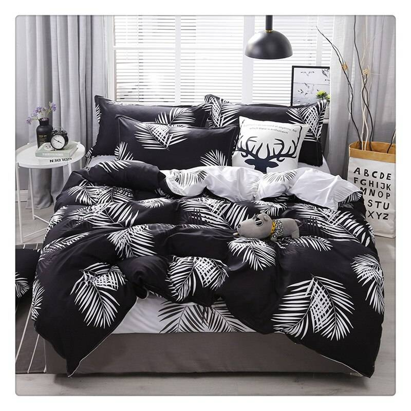 Nordic Black and White Palm Tree Bedding Set