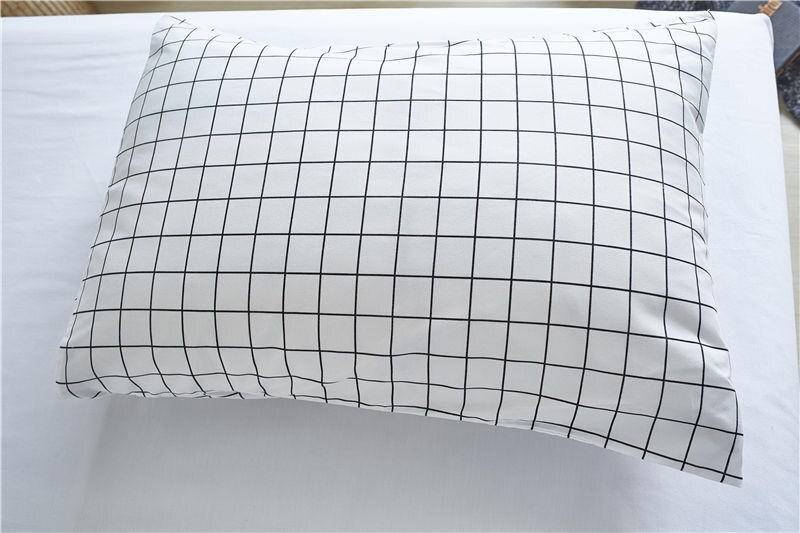 Minimalistic Grid Printed Duvet Cover
